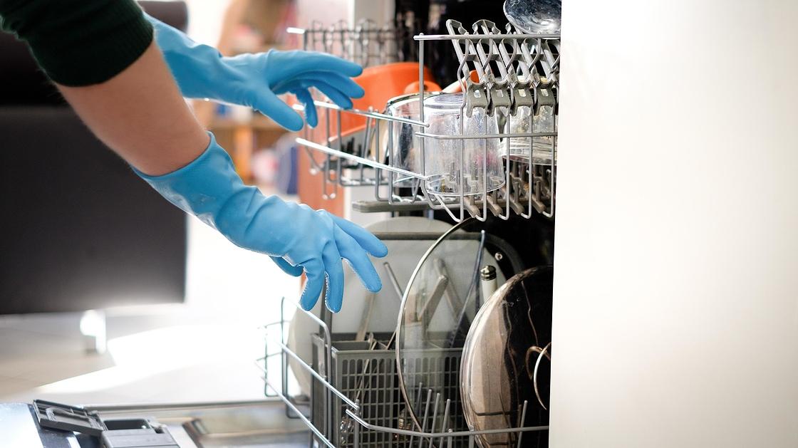 Puhdista hammasharja pesukoneessa - 5 yllättävää tapaa käyttää  astianpesukonetta - Uutiset - Iskelmä 7021ffe49e